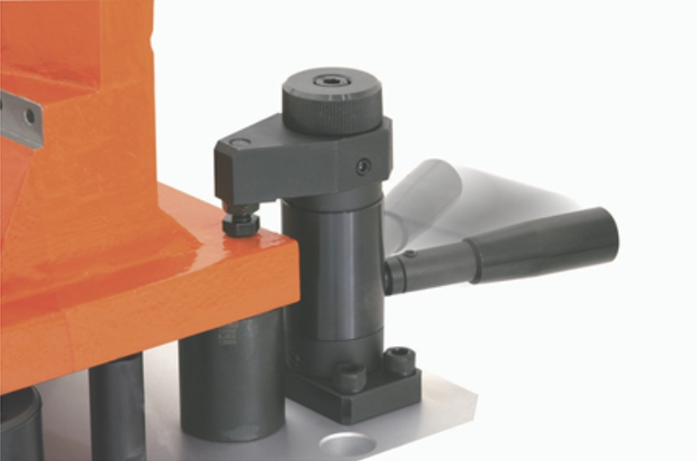 Heavy Duty Swing Clamps Give High Security Workholding (Fixtureworks